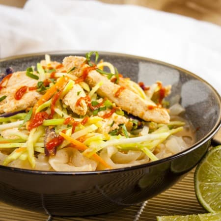 Spicy Peanut Miracle Noodles with Chicken