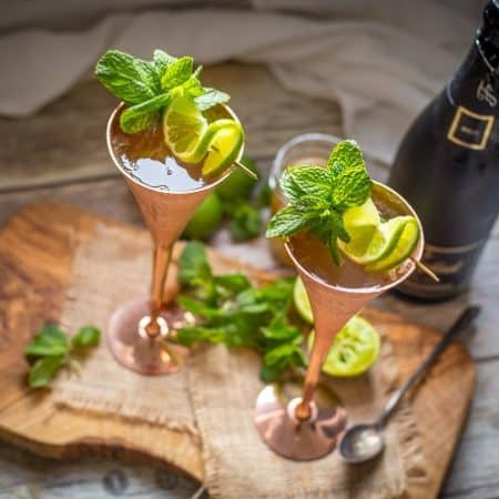 Refreshing and bubble champagne mules are the drink of the summer